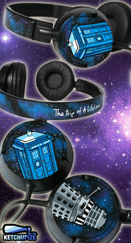 NEW Doctor Who handpainted headphones by Ketchupize