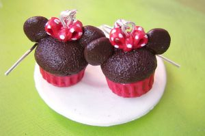 Minnie Mouse cupcake earrings by mmagda