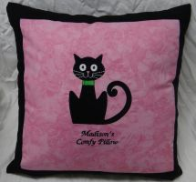 Cat Pillow by quiltoni