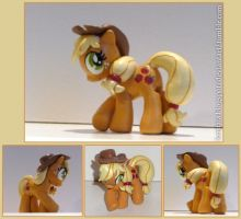Applejack sculpt by kristaia