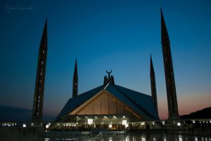 Shah Faisal Mosque by HamidQureshi