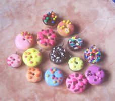 donuts are so cute by jong28