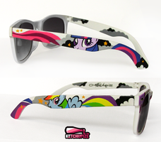 ''My Little Pony'' handpainted sunglasses by Ketchupize