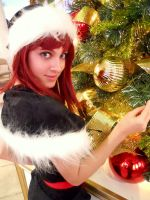 Kairi-Around the Christmas Tree by leppa-berry
