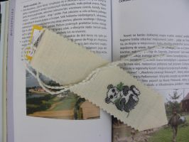 Panda bookmark by Khajitt