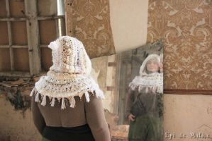 White Capelet - for sale by MademoiselleOrtie
