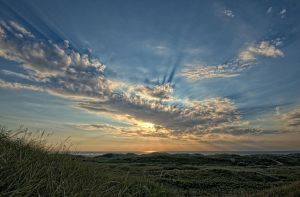 Cloud with rays - HDR by Oddersnude