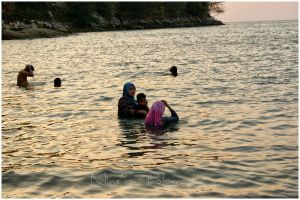 Family : Penang Beach March 2014 by carnine9