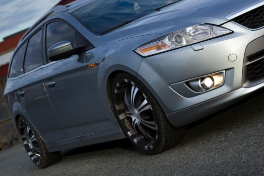 Ford Mondeo by knuti86