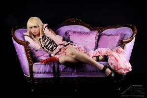 Chii and purple sofa by azulettecosplay
