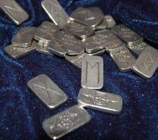 Silver runes by karenishra