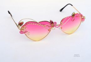 Pink heart wire wrapped sunglasses by IanirasArtifacts