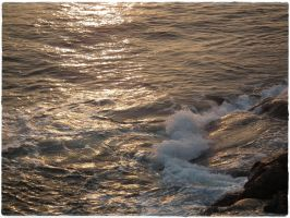 Sea water by Snuzzle