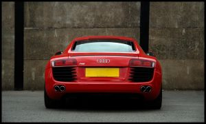 Audi R8 by dxd