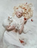 White Alice in Wonderland by Bajgraf