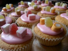 Cupcakes by 19kisses