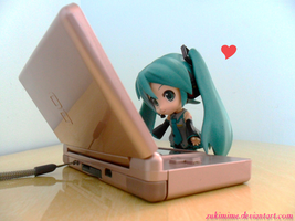 Playing With My DS by Zukimime