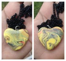 Colorful marbled heart necklace by Saloscraftshop