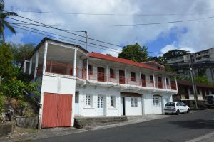 Colonial house to FORT DE FRANCE by A1Z2E3R