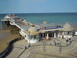 Cromer Pier by awesomeizzy