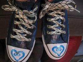 Kingdom Hearts custom painted shoes by thedarkartistgirl