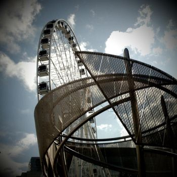 Manchester Wheel by devincisharky