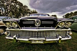 Smiling Buick by carlzon