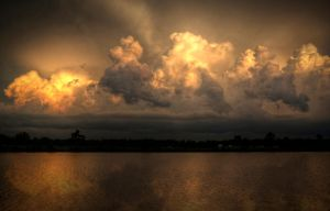 Clouds HDR by joelht74