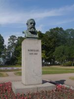 Engels Bust in Smolny by Party9999999