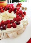 Pavlova Wreath by cakecrumbs