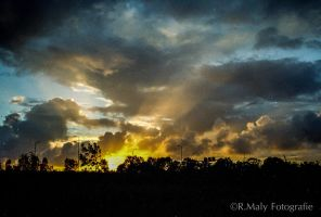 Fire in the sky by TLO-Photography