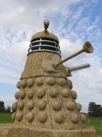 Giant Straw Dalek by Erratta