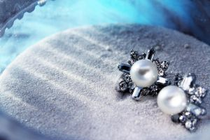 -Pearls and Diamonds- by Noeth