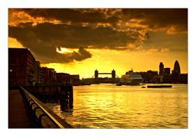 Postcard from London No.1 by djoel