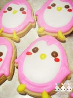 Biscuit pink penguin by apears