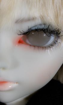 Doll, macro--Asian ball-joint by DrDnar