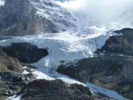 Athabasca Glacier 49 by raindroppe