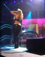 Shakira Shaking It by Eannadp