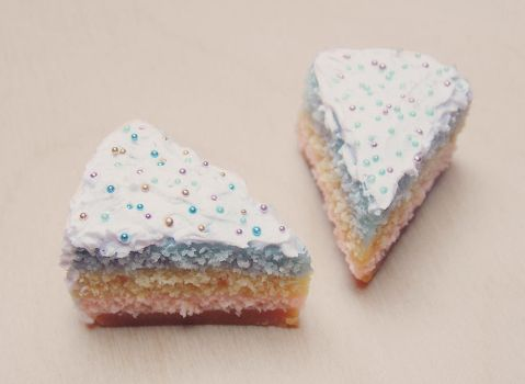 Miniature cakes by Kyandi-charms