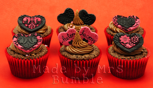 Anniversary Cupcakes by MrsBumble