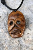 Skull Necklace by clroavieg