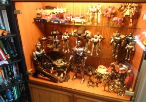 RoboCop figures in 'new' cabinet by Carnivius