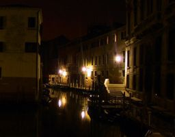 The quiet steets of Venice by transfusion
