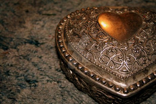 Jewelry Box. by ChasingafterForever