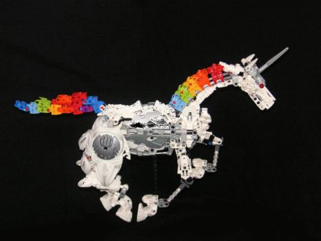 Stopmotion: Robot Unicorn by Rahiden