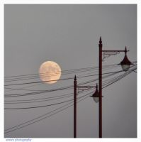 English Moon by Arawn-Photography