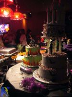 Gothic Bride and Groom Cakes by RockItQeen