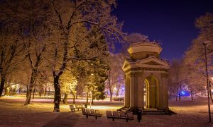 Cenotaph in the park at night by edzhustrops