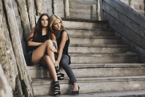 Cecilie and Mercedes by vizar