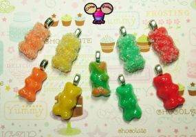 Cute Fruity/Sour Gummy Bears by pinknikki